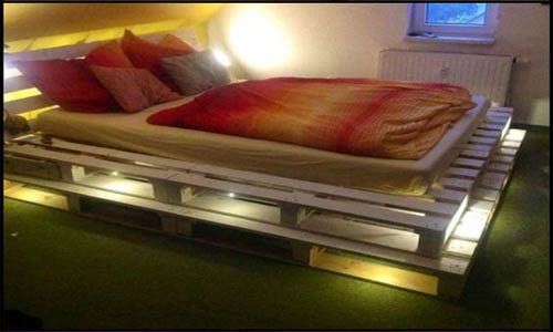 giường ngủ bằng ván ép chịu nước phủ keo