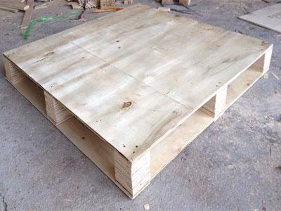Ván ép bao bì sản phẩm và ván ép pallet là hai trong số những loại ván ép quan trọng dùng để đóng gói hàng hóa và phục vụ cho quá trình vận chuyển.